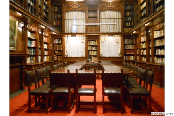 Library of the Instituto de Chile. Source